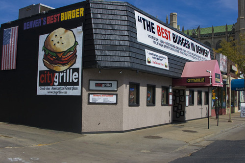 Denver Burger Bracket – (2) City Grille vs. (7) Smashburger | Denver Food  Guys